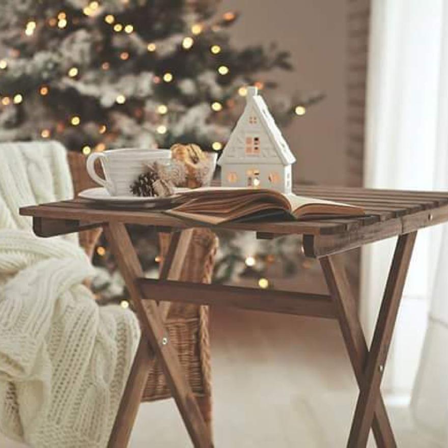villagioestateПусть волшебство станет частым гостем в вашем доме! А дорогие и близкие будут всегда рядом. С Рождеством!