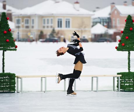 В поселках открылись школы хоккея и фигурного катания